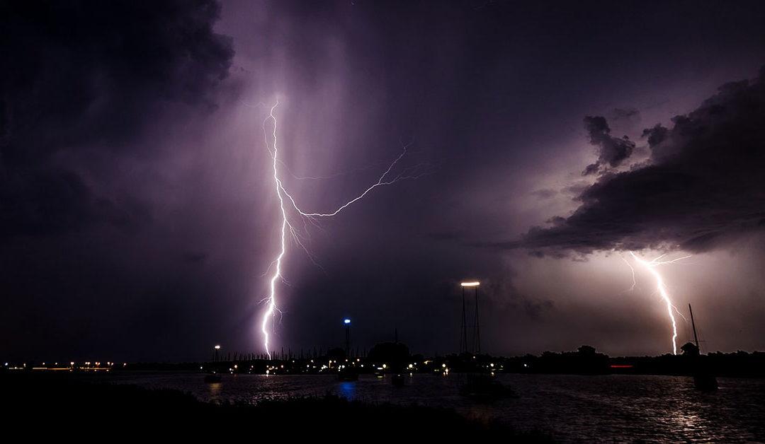 lightning near hollywood